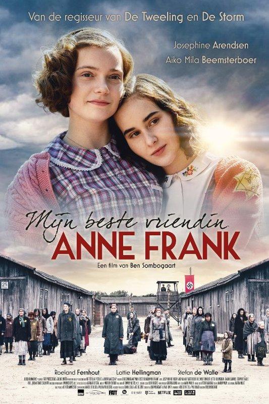 Mijn beste vriendin Anne Frank. Twee donkerharige meisjes staan dicht bij elkaar en kijken voor zich uit.