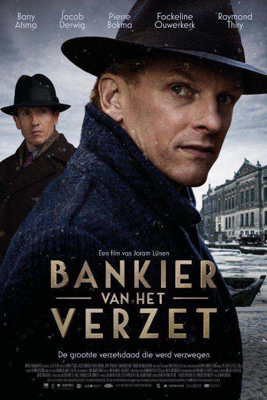 Bankier van het verzet. De bankier kijkt zorgelijk opzij. Achter hem staat zijn broer.