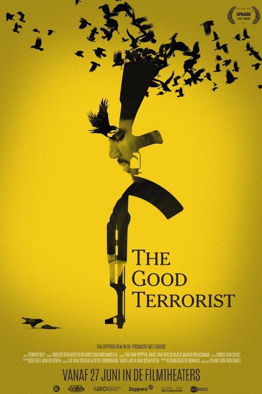 The Good Terrorist. Tegen een gele achtergrond staat het silhouet van een geweer waarin het gezicht van een man te zien is. Eromheen vliegen zwarte vogels.